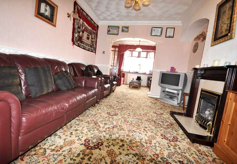 3 Bedrooms House for sale in Downing Rd, Dagenham
