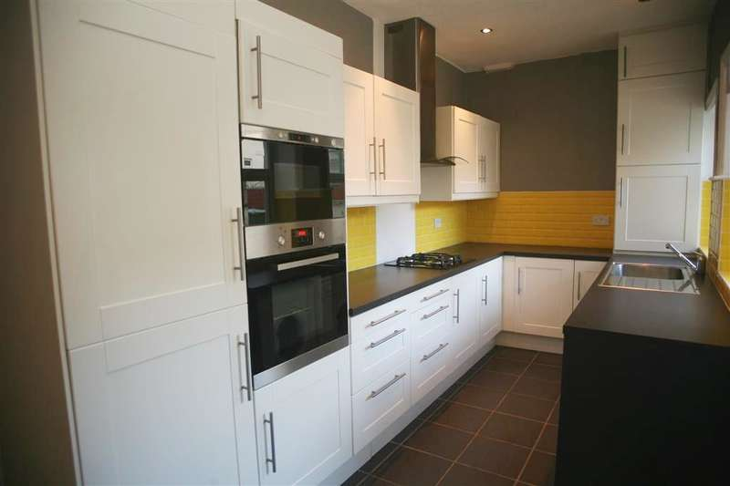 3 Bedrooms Property for sale in Woodcroft Street, Reedsholme, Rossendale