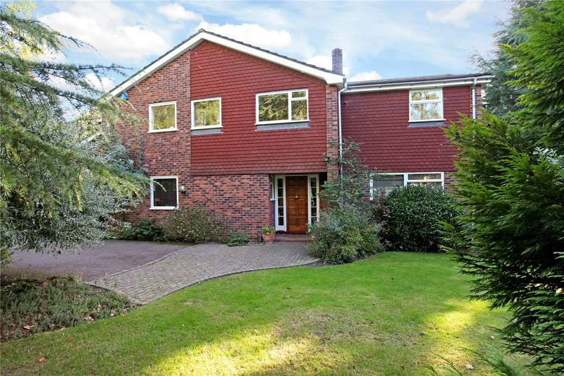 5 Bedrooms Detached House for sale in Ince Road, Burwood Park, Walton-on-Thames, Surrey, KT12