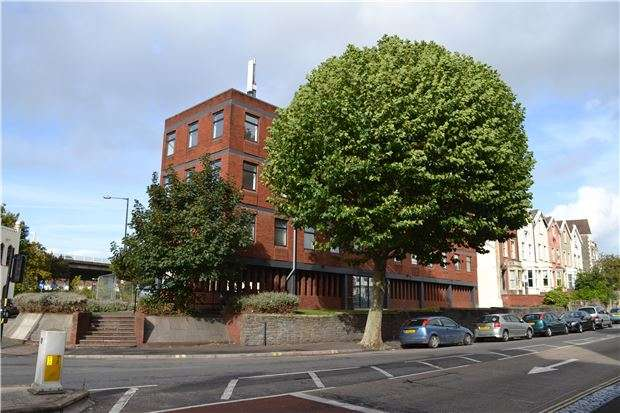 1 Bedroom Flat for sale in Flat 10, Fishponds Road, Eastville, Bristol, BS5 6SH