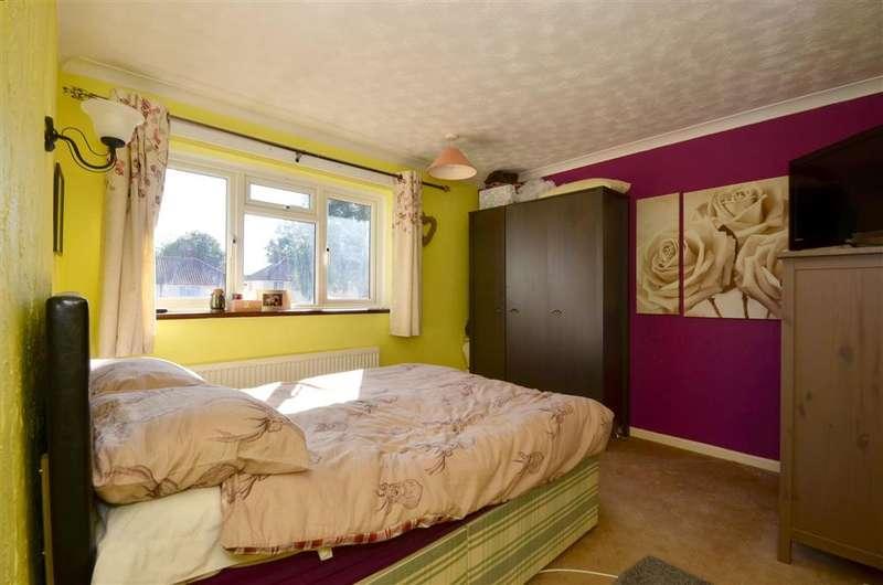 3 Bedrooms Semi Detached House for sale in Bishops Oak Ride, Tonbridge, Kent