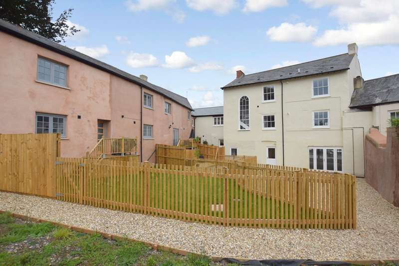 2 Bedrooms Flat for sale in Ottery St. Mary, Devon