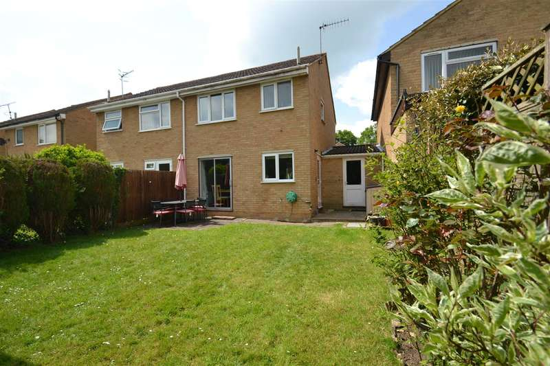 3 Bedrooms House for sale in Kiln Lane, Horley