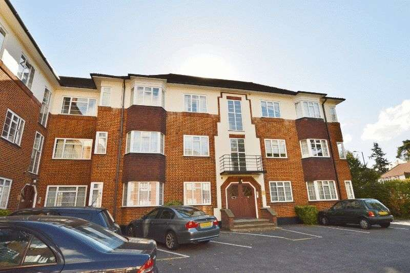 2 Bedrooms Flat for sale in St. Thomas Drive, Pinner