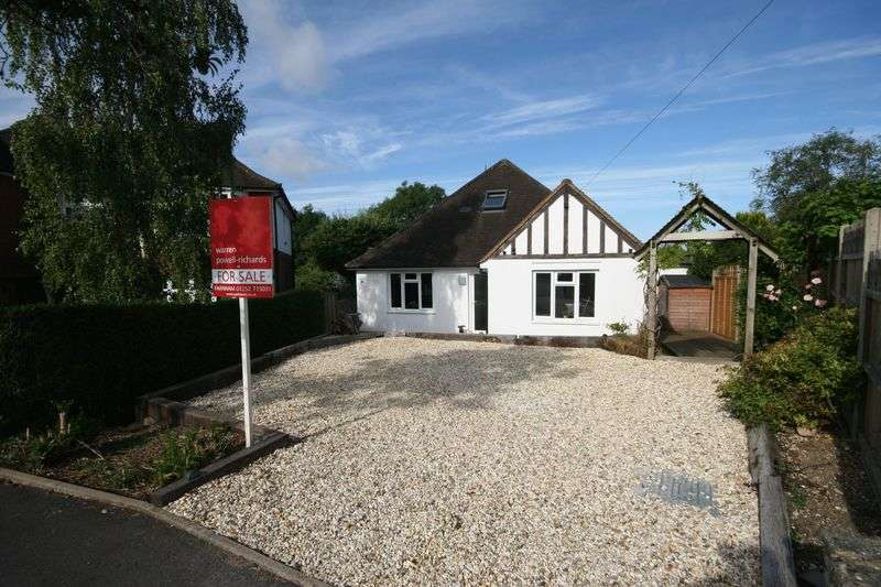 3 Bedrooms Detached Bungalow for sale in Tor Road, Farnham