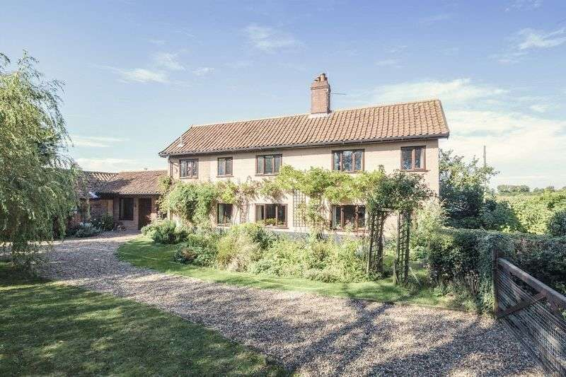4 Bedrooms Detached House for sale in Pulham St Mary, Diss