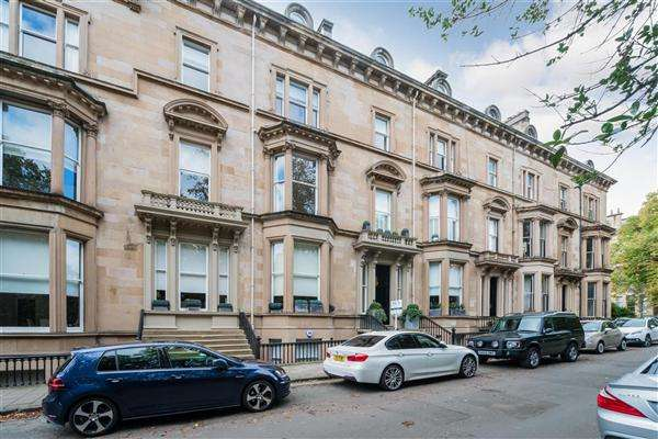 2 Bedrooms Flat for sale in 2/2 26 Belhaven Terrace West, Dowanhill, Glasgow, G12 0UL