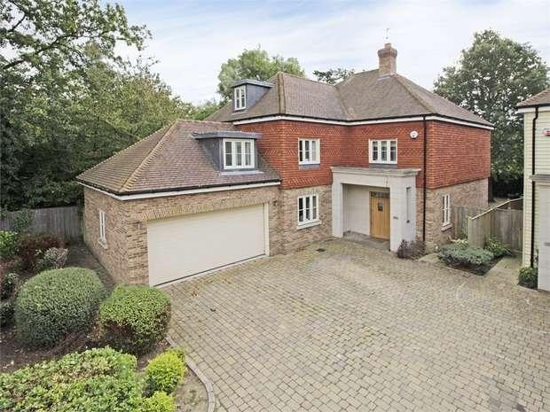 6 Bedrooms Detached House for sale in Twitten Grove, Bickley, Kent