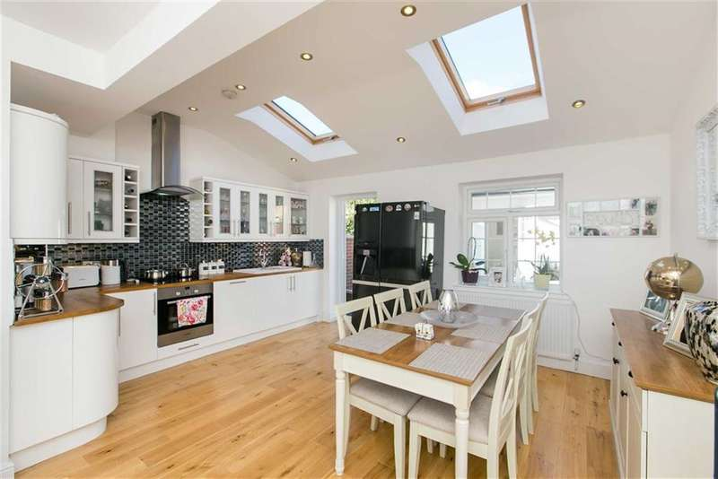 4 Bedrooms Property for sale in Westway, Shepherds Bush