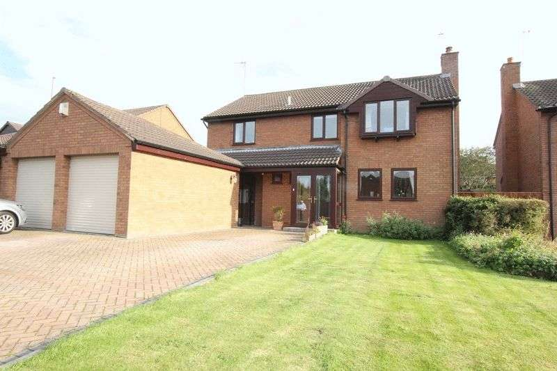 4 Bedrooms Detached House for sale in Moorings Close, Parkgate, Wirral