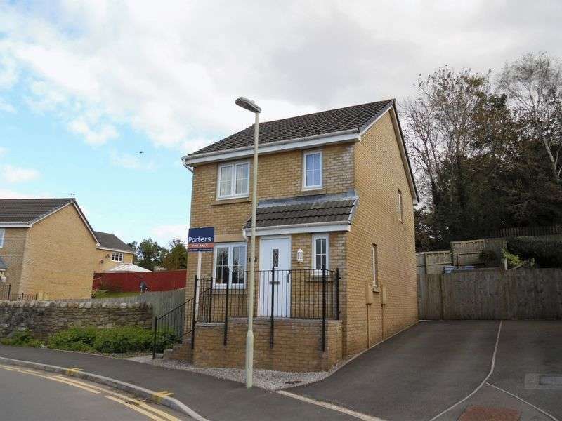 3 Bedrooms Detached House for sale in Clos Tyn Y Coed Sarn Bridgend CF32 9NQ