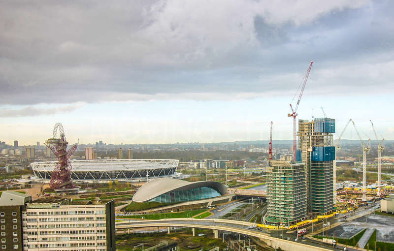2 Bedrooms Flat for sale in Glasshouse Gardens, Stratford City