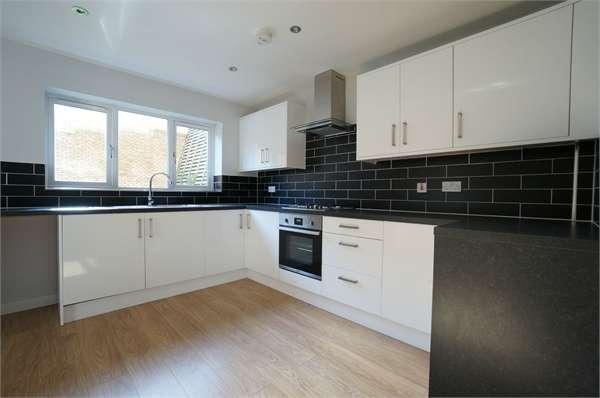 4 Bedrooms Detached House for sale in Woodside Walk, Cross Keys, NEWPORT, Caerphilly