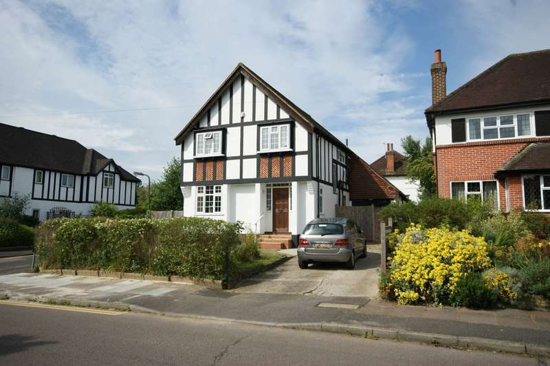 4 Bedrooms Detached House for sale in Malpas Drive, Pinner