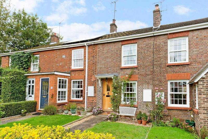 2 Bedrooms Cottage House for sale in Catherine Cottages, Wigginton Bottom