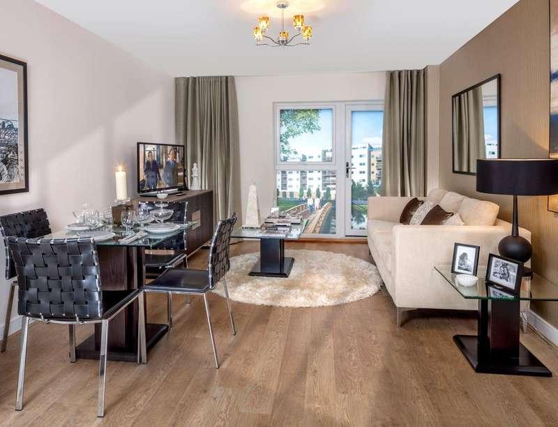 2 Bedrooms Flat for sale in Regent Court South Street, Bishop's Stortford, CM23