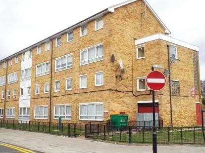3 Bedrooms Maisonette Flat for sale in Manor Park, London
