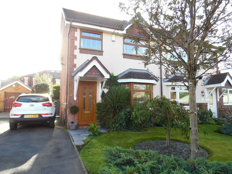 3 Bedrooms Semi Detached House for sale in Crocus Drive, Royton.