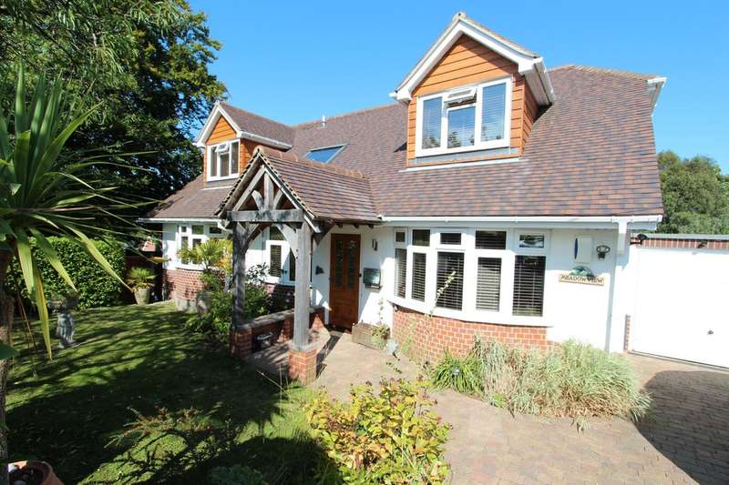5 Bedrooms Chalet House for sale in HIGHCLIFFE ON SEA