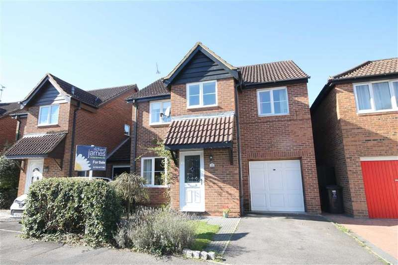4 Bedrooms Property for sale in Bishopdale Close, Nine Elms, Swindon