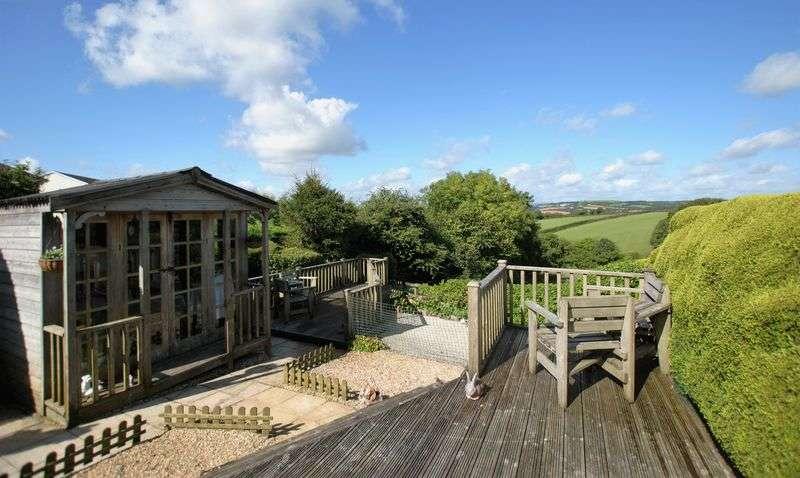 4 Bedrooms Detached House for sale in Andrews Way, Saltash