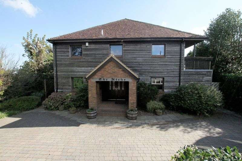5 Bedrooms Detached House for sale in St. Margaret's Bay