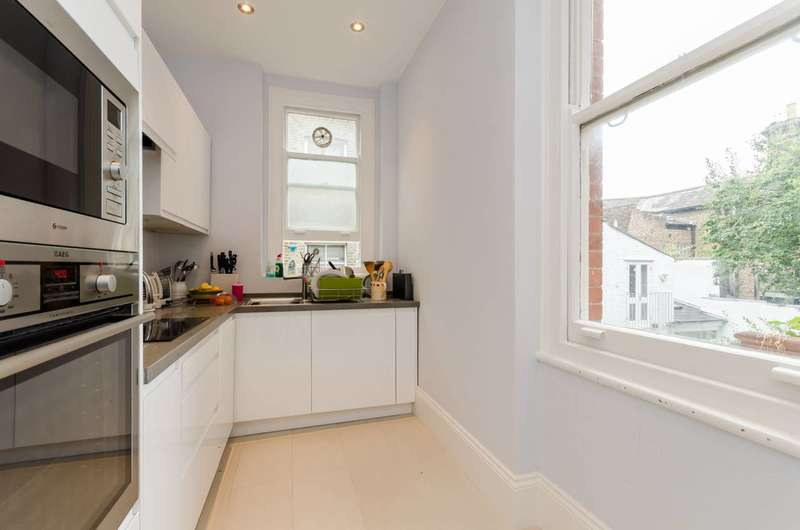 3 Bedrooms Flat for sale in Buer Road, Fulham, SW6