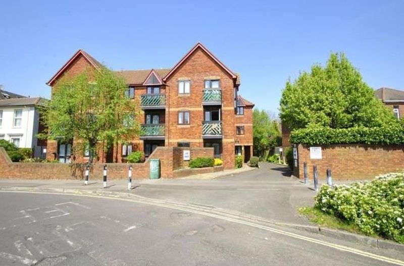 1 Bedroom Flat for sale in Lake House,Paynes Road, Southampton: NO CHAIN one bed ground floor retirement apartment