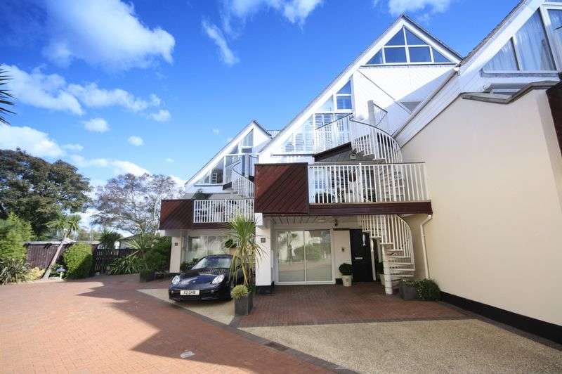 4 Bedrooms Mews House for sale in Priory Quay, Christchurch