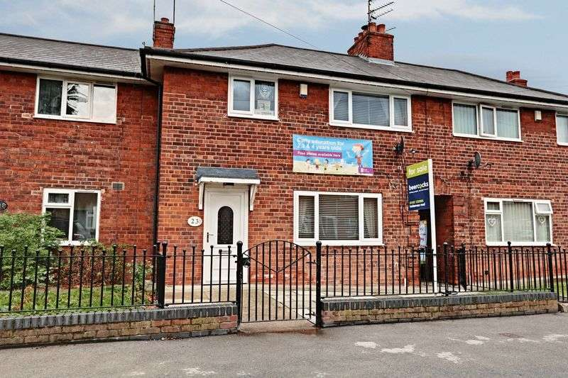3 Bedrooms Terraced House for sale in St. Johns Grove, Hull