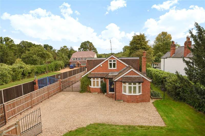 4 Bedrooms Detached House for sale in Reading Road, Finchampstead, Wokingham, Berkshire, RG40