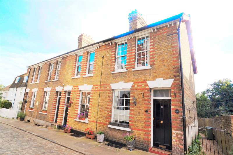 2 Bedrooms End Of Terrace House for sale in High Street, Upnor, Rochester, Kent, ME2