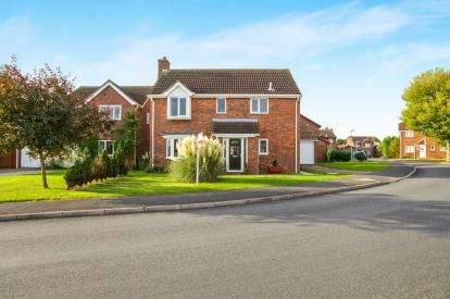 4 Bedrooms Detached House for sale in Lode Way, Chatteris, Cambridgeshire