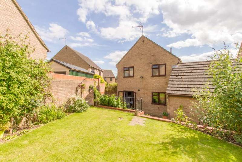 3 Bedrooms Detached House for sale in Weavers Close, Witney