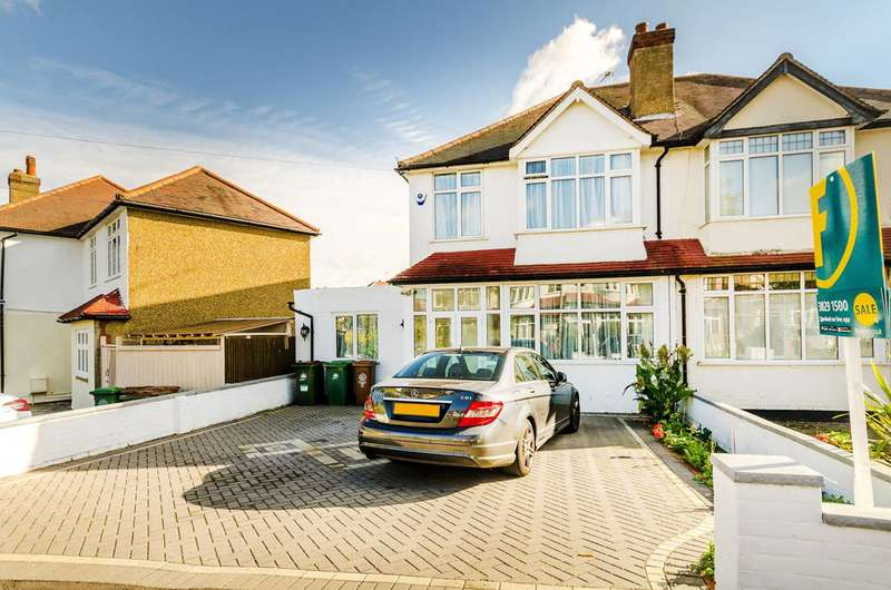 4 Bedrooms Semi Detached House for sale in Bridgewood Road, Worcester Park, KT4
