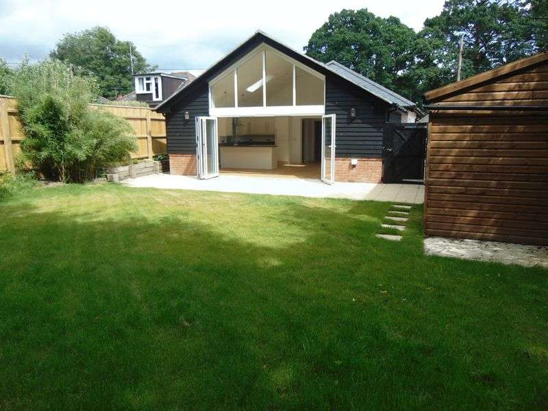 4 Bedrooms Detached Bungalow for sale in Copse Road, Ringwood