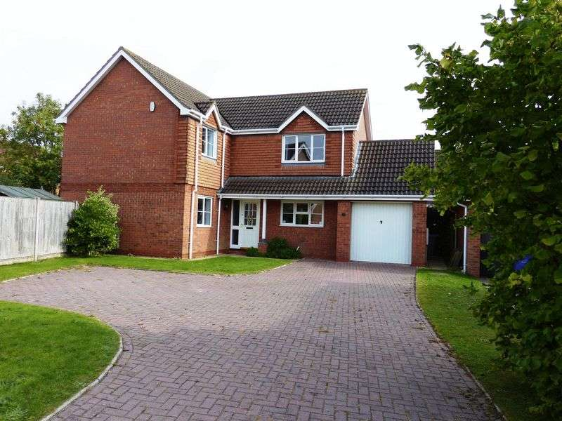 4 Bedrooms Detached House for sale in Vasey Close, Saxilby