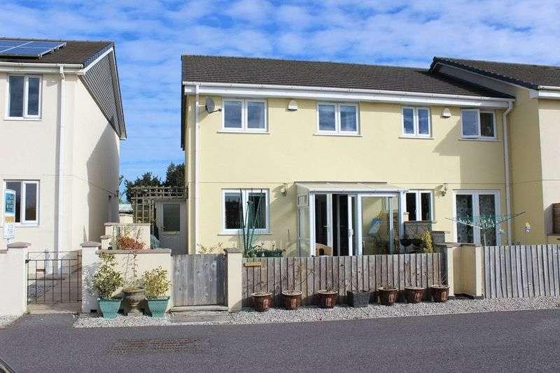 3 Bedrooms Terraced House for sale in Penstraze Lane, Roche