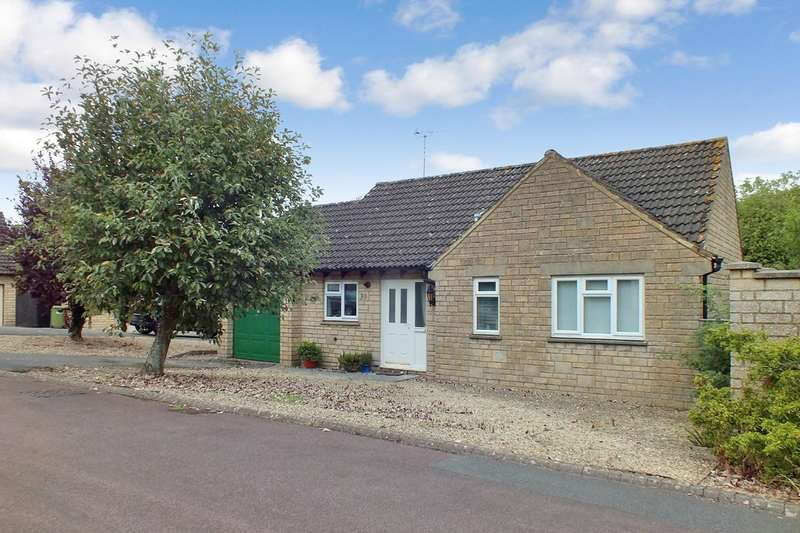 2 Bedrooms Detached Bungalow for sale in Kemble