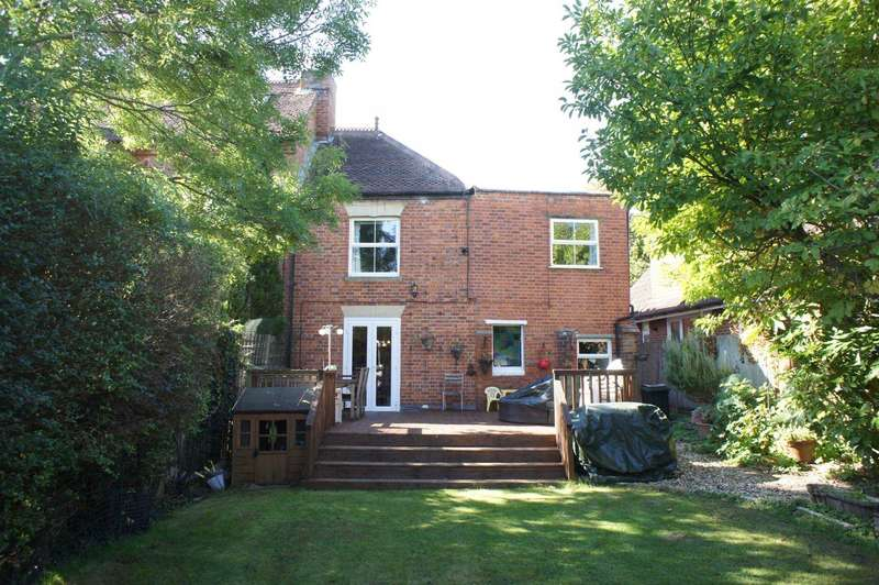 4 Bedrooms Semi Detached House for sale in Peppard Road, Emmer Green