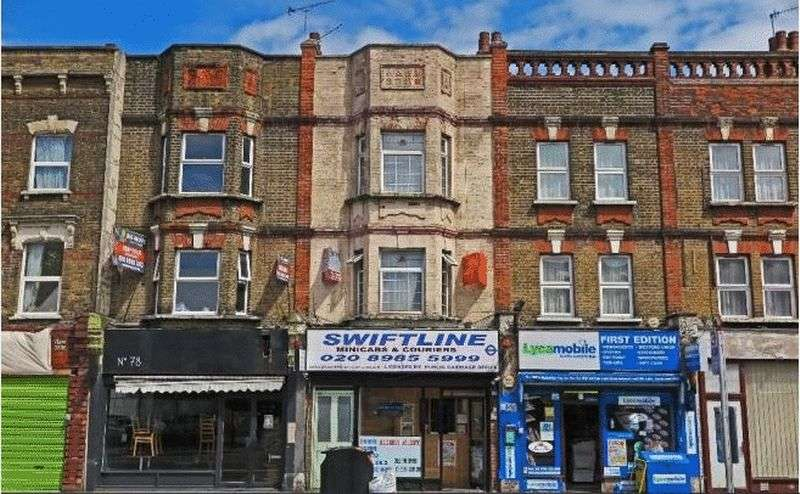 3 Bedrooms Flat for sale in Lower Clapton Road, London