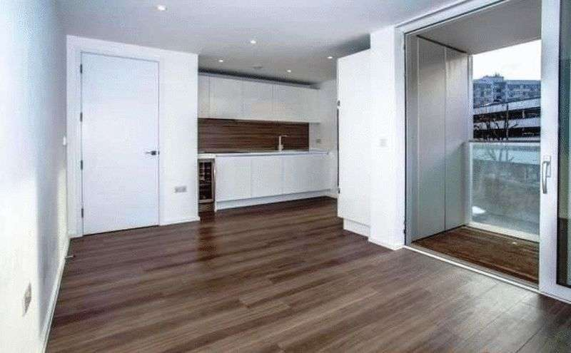 1 Bedroom Flat for sale in Aurora Apartments, Buckhold Road, London, SW18