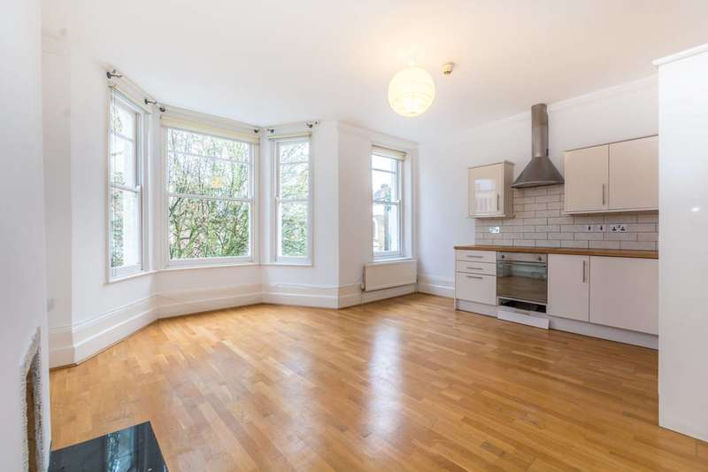 2 Bedrooms Flat for sale in Clissold Crescent, Stoke Newington, N16