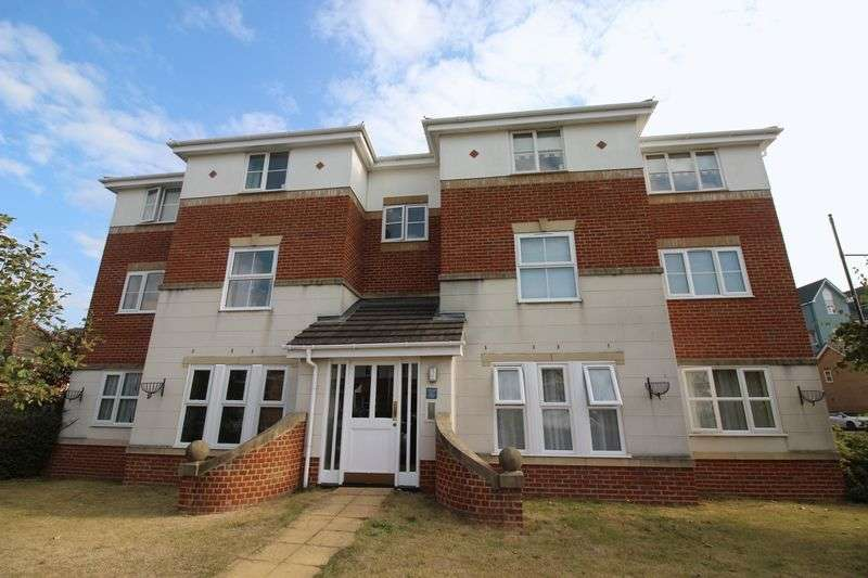 2 Bedrooms Flat for sale in Cheldoc Rise, St Marys Island, Chatham Maritime