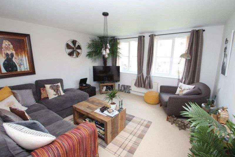 3 Bedrooms Flat for sale in Whitworth Court, Old Catton