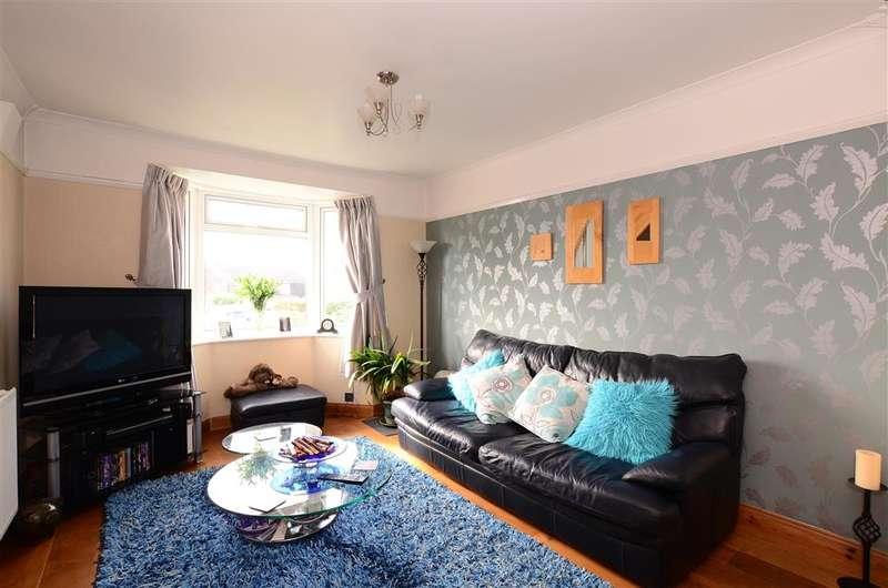 3 Bedrooms Bungalow for sale in Brasslands Drive, Portslade, Brighton, East Sussex