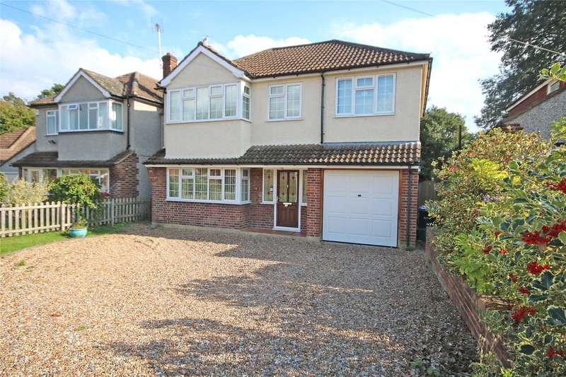 4 Bedrooms Detached House for sale in Franklands Drive, Addlestone, Surrey, KT15