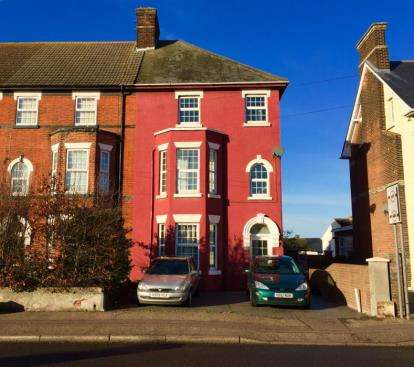 6 Bedrooms End Of Terrace House for sale in Harwich, Essex
