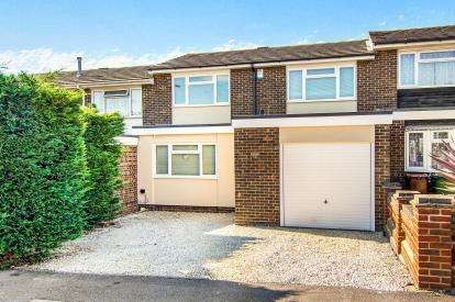 3 Bedrooms Terraced House for sale in Stanford-Le-Hope, Essex