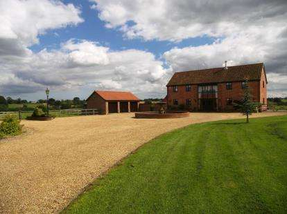 5 Bedrooms Barn Conversion Character Property for sale in Tharston, Norwich, Norfolk
